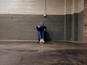 Actriz provoca polémica al acusar a hombre de violarla con los ojos