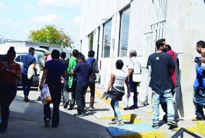 Prefieren migrantes quedarse en frontera