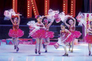 aplauden-su-talento-en-recital-de-ballet
