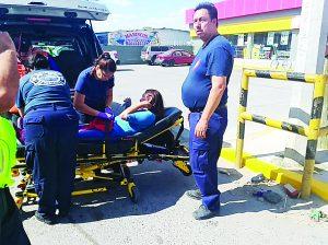 Queda lesionada tras encontronazo