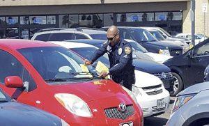 Roban en 25 vehículos en Laredo
