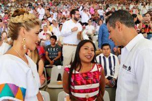 Asiste Yalitza Aparicio a la Guelaguetza