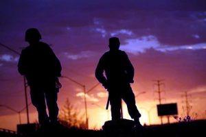 Arrestan a 16 marinos 'coyotes' en EU