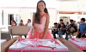 Sorprenden a quinceañera migrante con fiesta en albergue