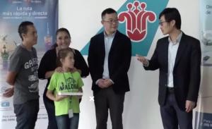 Aerolínea china apoya a niña mexicana para asistir a competencia de aritmética