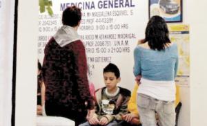 Farmacias dan más consultas que IMSS
