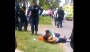 Detienen por robo a hombre que lloró al cadáver de su hijo ladrón en Ecatepec