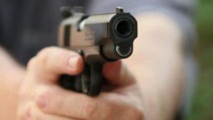 Detienen a agente de la BP por apuntar con arma a 2 mujeres