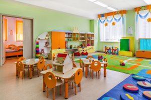 """VIDEO: Cierran guardería donde maestras asustaban a niños con audio de """"la llorona"""""""