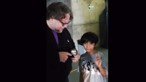 Guillermo del Toro responde a preguntas de niño youtuber