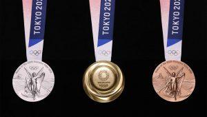 Así son las medallas olímpicas de Tokio 2020, hechas de iPhones viejos y basura electrónica