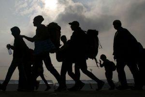 Mata el calor a 7 migrantes