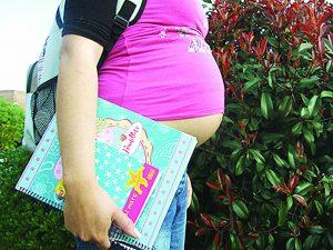 Embarazos en el ISSSTE: 50%  son de menores