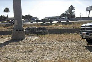 Fallecen otros 2 en triple volcadura en Laredo