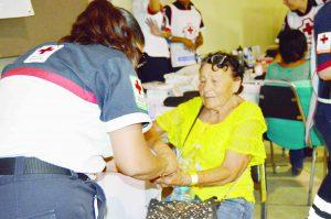 Muestran abuelos interés por su salud