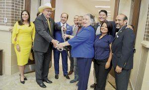 Inauguran programa sobre cosmetología en Laredo