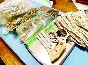 Dan dos 'golpes' a negocios de droga
