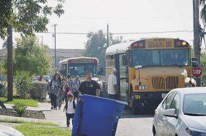 Exhortan a respetar camiones escolares