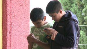 Alertan por alucinaciones causadas por celular; ve si te pasa