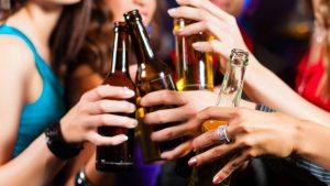Afecta  calor más a bebedor de alcohol