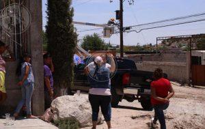 Vecinos iban a linchar a trabajadores de la CFE por tener cinco días sin luz