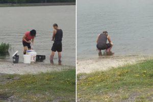 Empleados de restaurante lavan la vajilla en un lago