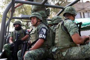 Pide AMLO no ver 'con malos ojos' a soldados