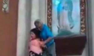 Arrestan a mujer por dañar un cuadro de la Virgen de Guadalupe
