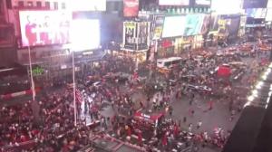 VIDEO: ¡Pánico en Nueva York! Multitud confunde moto con tiroteo