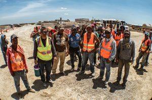 Paran obras en tramo La Gloria-San Fernando; tienen un mes sin sueldos