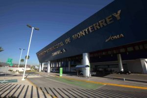 Aterrizaje de emergencia en Aeropuerto de Monterrey