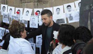 VIDEO: Diego Luna se suma a protestas por desaparecidos