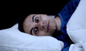 Despertar con la boca amarga y/o seca podría ser síntoma de enfermedades graves