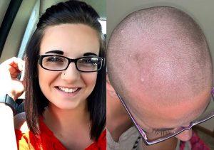 Mezclan crema depilatoria con shampoo y mujer queda calva