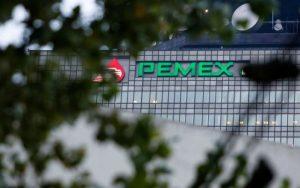 Con Obrador, Pemex importa menos gasolina