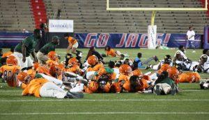 Al menos 10 heridos deja tiroteo en juego de fútbol en secundaria de Estados Unidos
