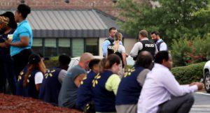 Walmart no dejará de vender armas pese a tiroteos en dos de sus tiendas