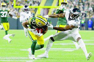 Quitan Águilas el  invicto a Packers