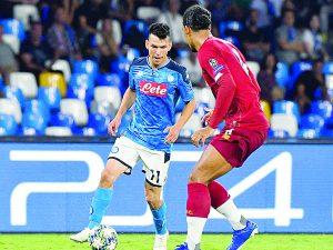 Con Lozona de titular, Nápoles derrota en casa al campeón de Champions, Liverpool