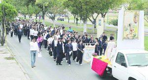 Organizan jóvenes  marcha vocacional