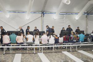 Alargan juicios a los migrantes