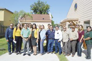 Inauguran viviendas para adultos mayores