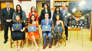Reconocen a mejores  estudiantes de UISD