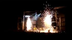 Bailarina muere en pleno show por explosión de pirotecnia