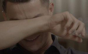 Cristiano rompe en llanto en plena entrevista al ver a su padre