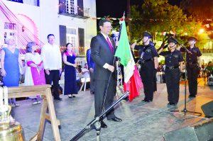 Grita Laredo  ¡Viva México!
