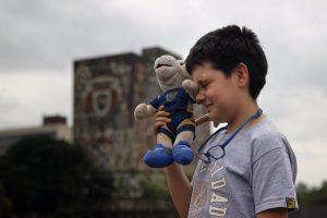 Niño genio de la UNAM denuncia acoso de profesores