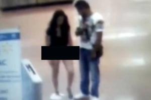 Mujer se desnudó en un Walmart para demostrar que no estaba robando