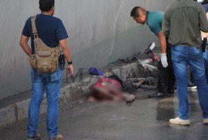 Muere ciclista atropellado en  puente de desnivel