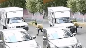 Joven se lanza contra camioneta para ser 'atropellado'